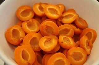 Apricothalves