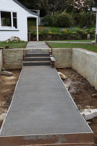 Cementwalkway